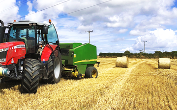 Langworthy produce with Round baler at Aveton Gifford