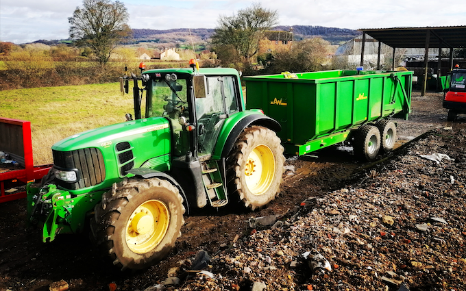 Cotswold contractors (glos) ltd with Silage/grain trailer at Upton Saint Leonards