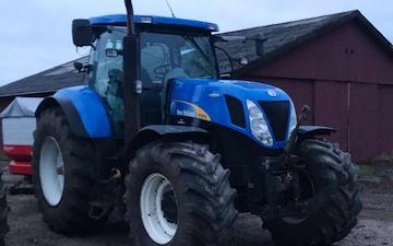 M. thing service med Traktor 201-300 hk ved Give