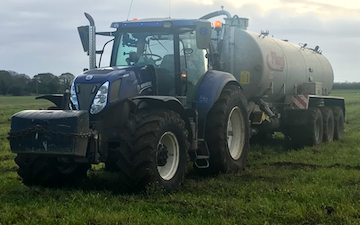 Harp contracting  with Slurry spreader/injector at Mavis Enderby