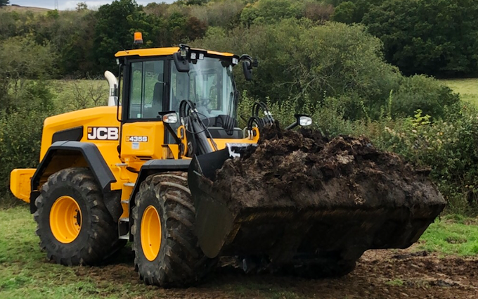 John clements contracting ltd with Manure/waste spreader at Newton Abbot