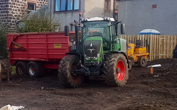 Henderson agri services  with Tractor 100-200 hp at Craigrothie