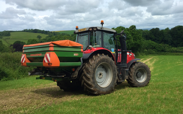 Wildwoods contractors with Fertiliser application at United Kingdom
