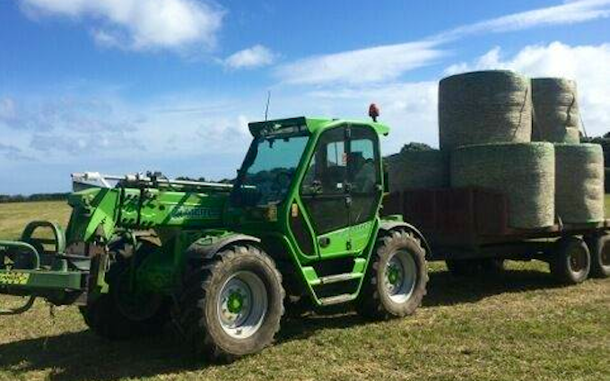 Doin it ltd contracting with Telehandler at Manaia
