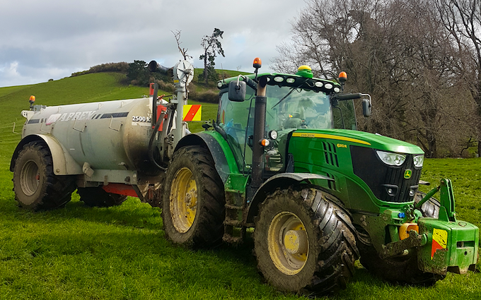 Cathcart contracting ltd  with Slurry spreader/injector at Waikokowai