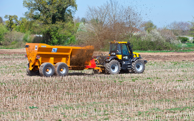 Sw machinery hire ltd with Manure/waste spreader at Lacock, Chippenham