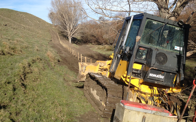 Kevin smith bulldozing with Bulldozer at Opaki