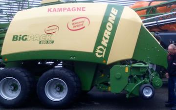 Vinkel landbrugs- og entreprenørforretning med Mini-bigballepresser ved Viborg